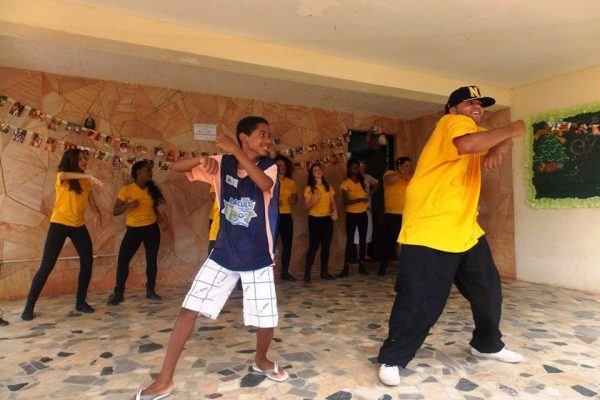 Apresentação de dança no Núcleo Cynira Saud Said