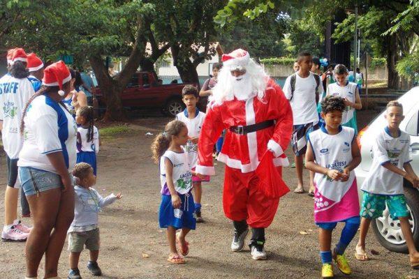 Festa de Natal dos meninos e meninas da ONG