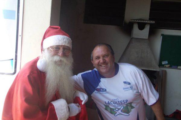 Festa de Natal das crianças e adolescentes da ONG Lacultesp